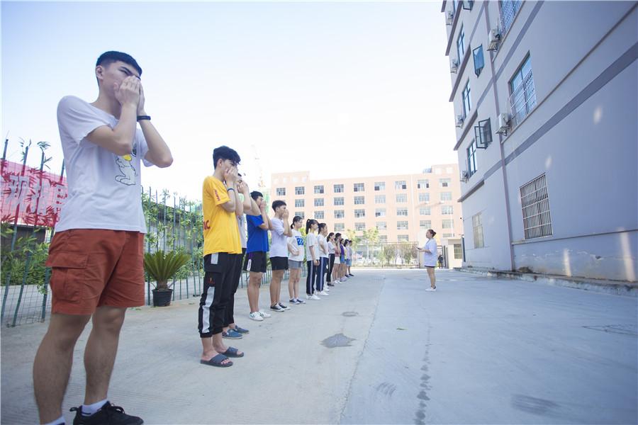 萍乡专业播音主持培训哪家好 创新服务 芳华文化艺术培训供应
