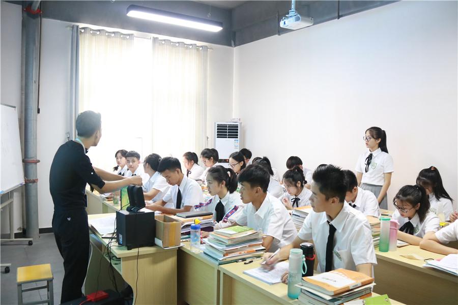 赣州优质编导培训 贴心服务 芳华文化艺术培训供应