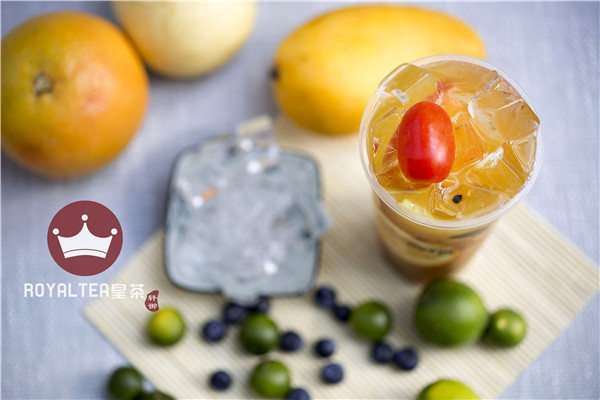 昆明奶茶原料商家 欢迎来电 云南銮�ι堂衬滩柙�料设备供应