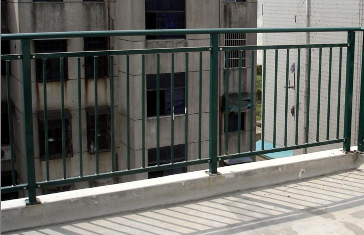 洛阳锌钢楼梯扶手定做,锌钢