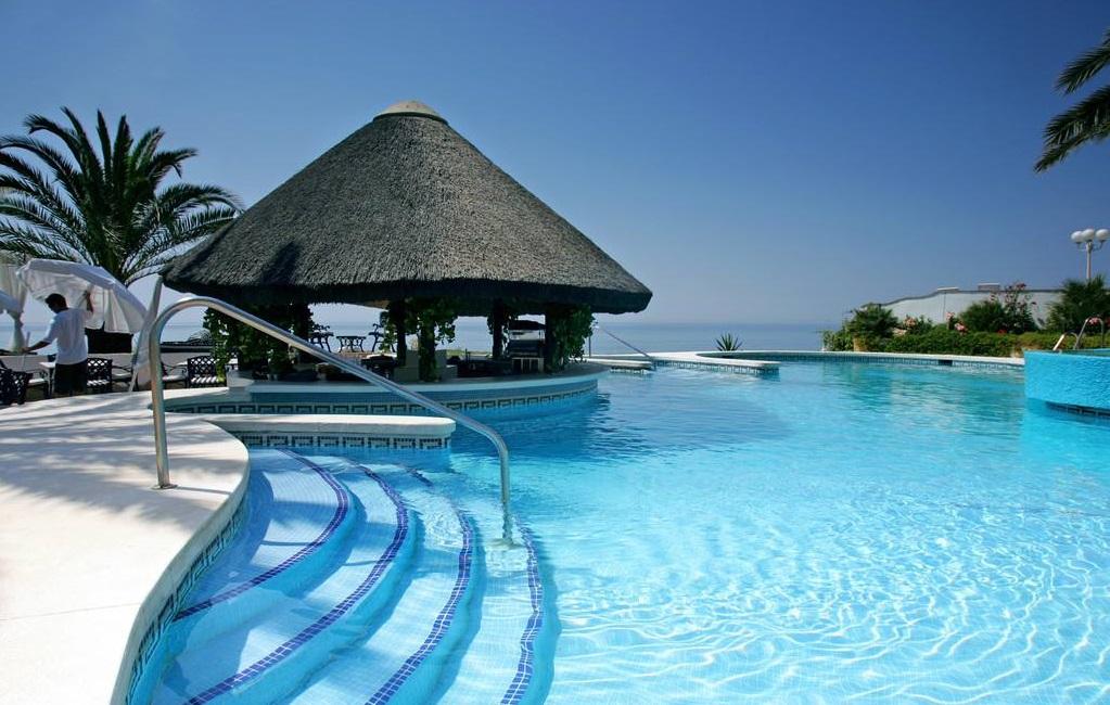达州知名游泳池设备要多少钱,游泳池设备