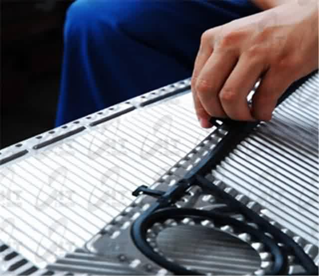 青海采暖热交换器电话 上海板换机械设备供应