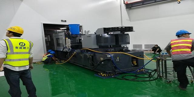 上海大型设备吊装移位工厂搬迁欢迎来电 贴心服务 上海国祥装卸搬运供应