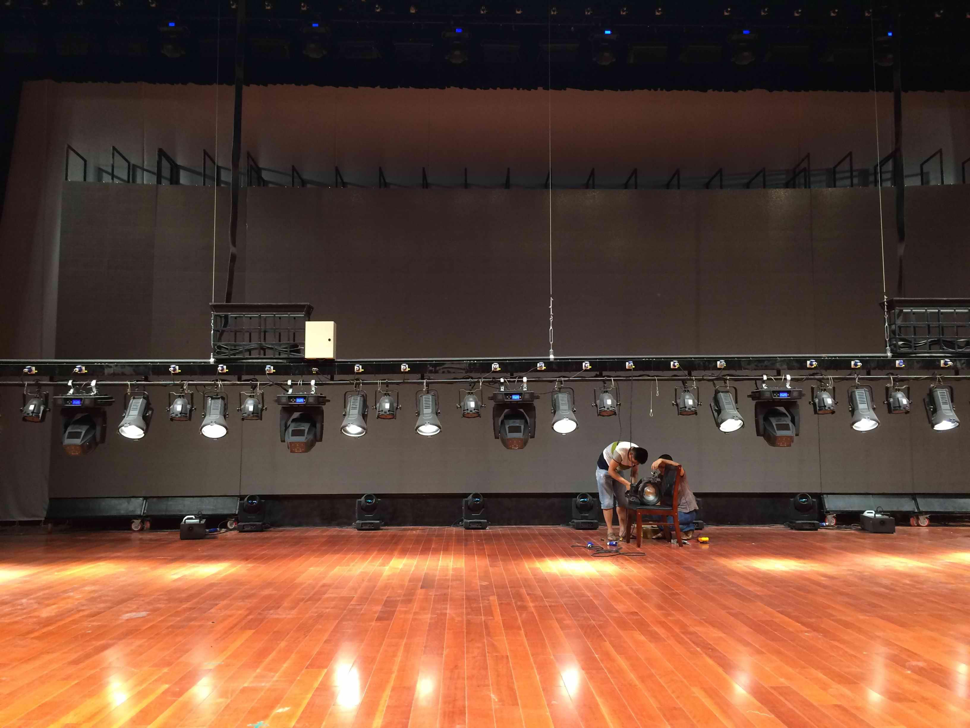 山東舞臺機械品質售後無憂「上海海邑聲光科技供應」