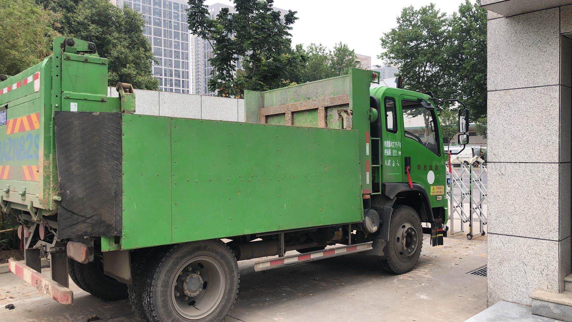 西安省錢挖掘機租賃銷售詞  陜西榮盛機械供應