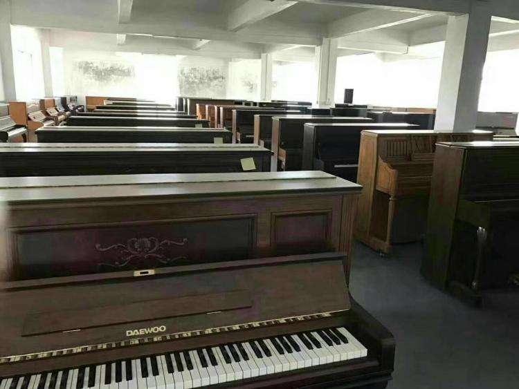太仓小型二手钢琴,二手钢琴