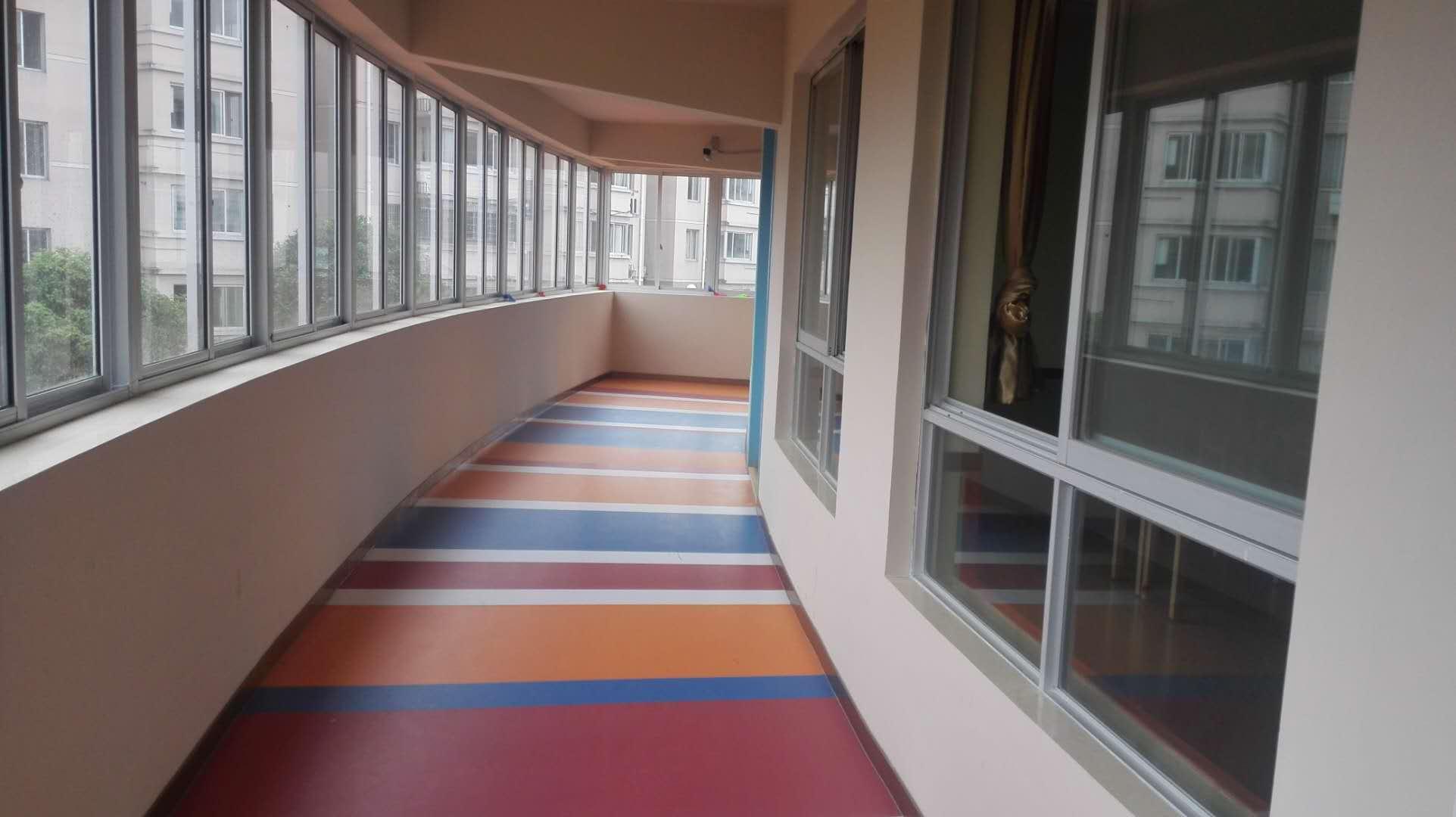 云南专业塑胶地板,塑胶地板