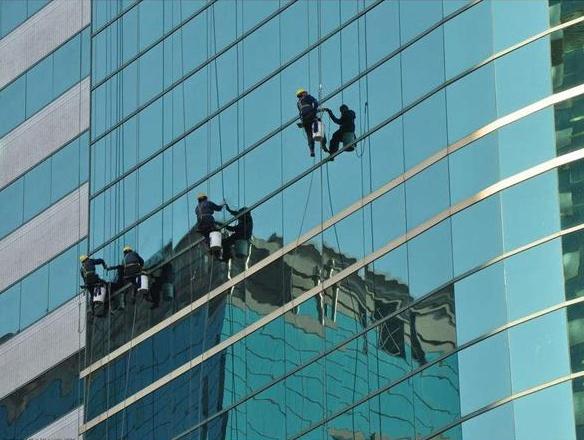 江苏正规玻璃外墙维修哪家强 铸造辉煌 无锡鹏德幕墙装饰供应