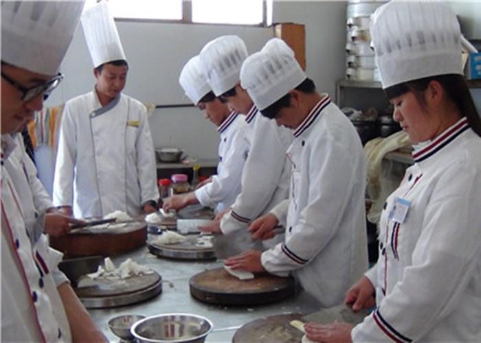 昆明专业的焊工安全知识培训内容 云南先科职业培训学校供应