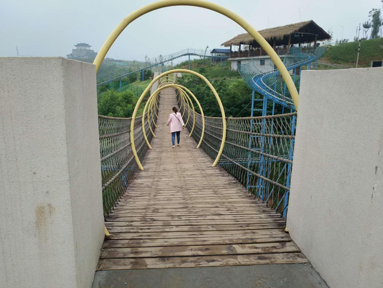 吉林钢架桥施工多少钱 新乡市鑫豫游乐设备供应