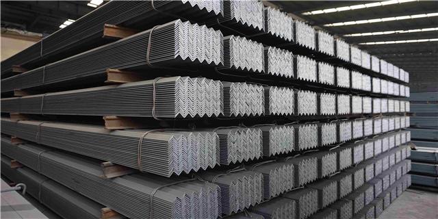 和田市镀锌角钢报价 创造辉煌 新疆中资银通贸易供应