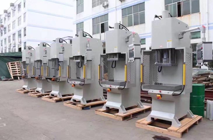 四川节能伺服液压机规格尺寸 诚信互利 无锡翔轩液压设备供应