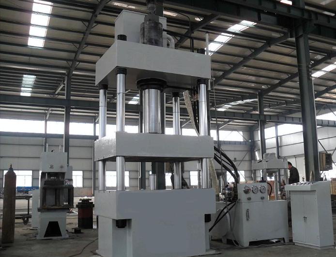 青海四柱液压机价格走势 贴心服务 无锡翔轩液压设备供应