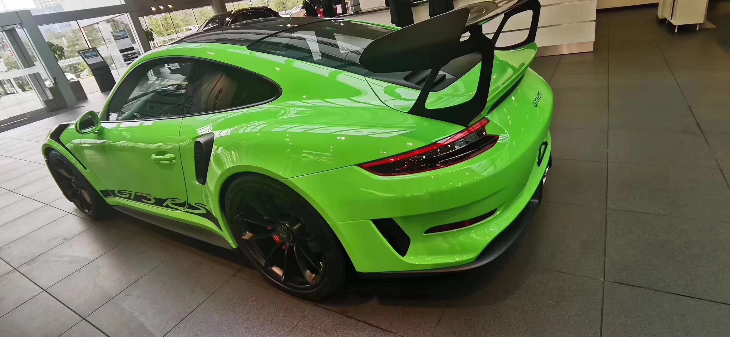 18款保時捷 911 歡迎咨詢「深圳市易車會汽車銷售服務供應」