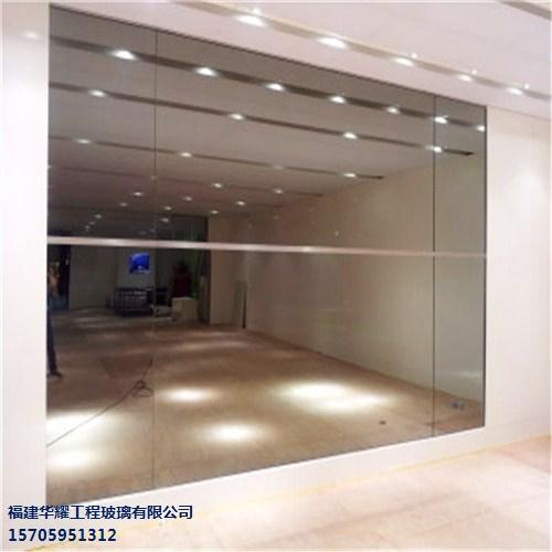 单向玻璃与普通镜子如何辨别呢?