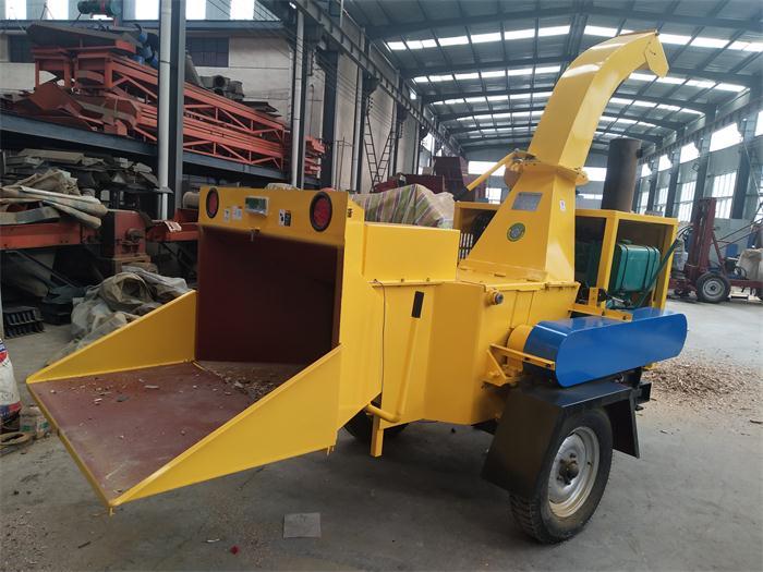 正规移动树木粉碎机厂家推荐,粉碎机