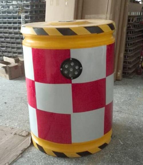 厦门跑道防撞桶订制 服务为先 厦门宏乾交通设施工程供应