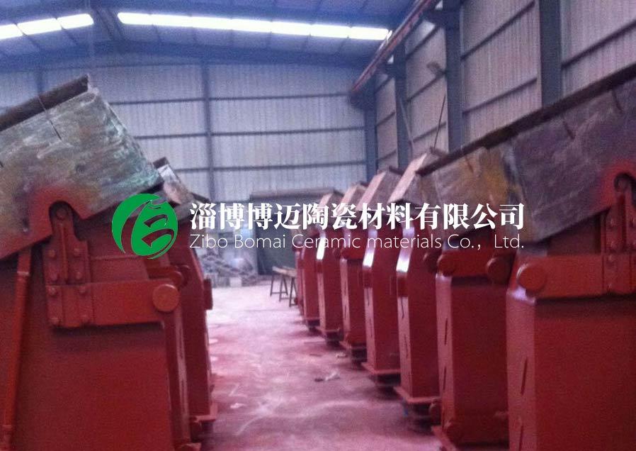 云南复合耐磨陶瓷管道弯头规格 淄博博迈陶瓷材料供应