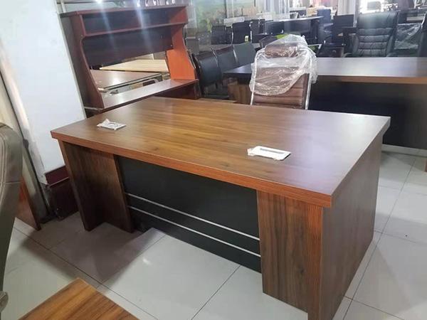 订做办公桌品牌
