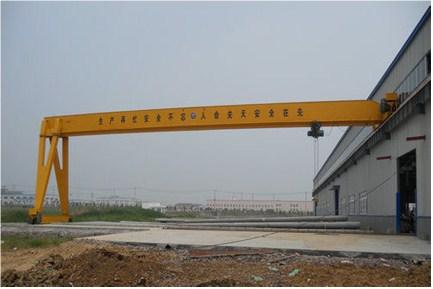 云南门式起重机销售厂家「中原供应」