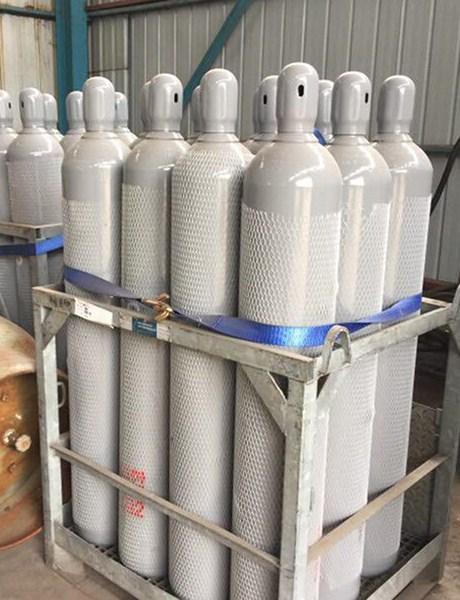 潍坊原装液氮 服务至上「寿光市雄风气体供应」