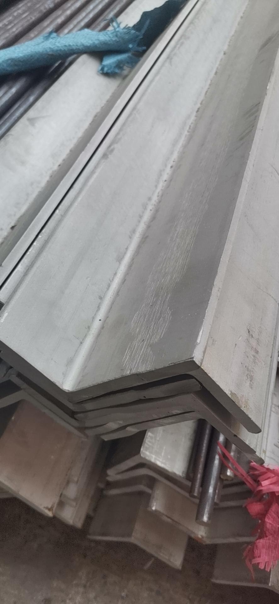 浙江2507不锈钢角钢厂家价格 江苏进百洪金属制品供应