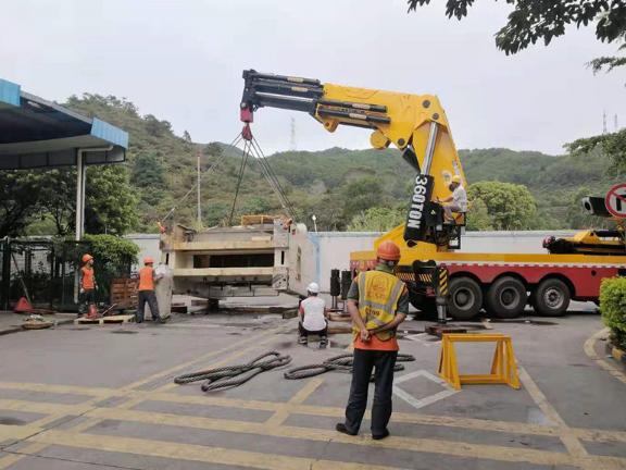 大嶺山鎮7噸小型吊車搬廠
