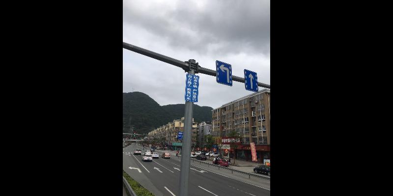 鹿城区围挡广告牌效果图 值得信赖「温州市瓯海景山创美广告供应」