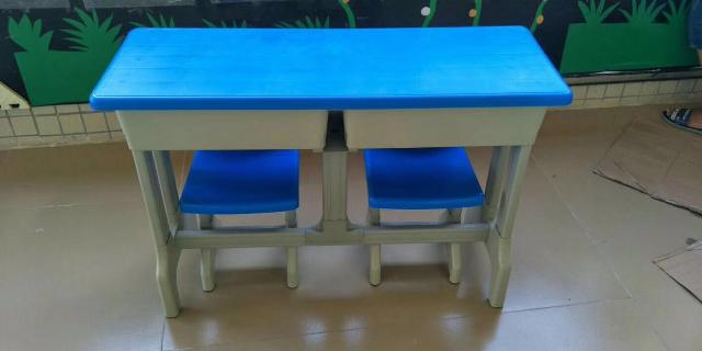 上海销售课桌椅厂家 服务为先「浙江欧凯游乐设备供应」