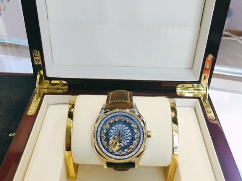 南京情侣艺术手表加工 服务至上「深圳世纪金华科技供应」