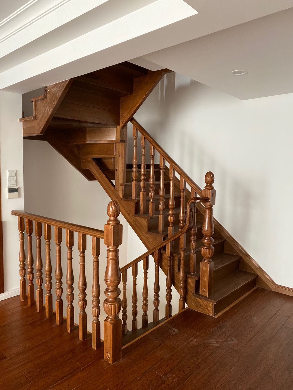 闵行区正规实木楼梯怎么联系,实木楼梯