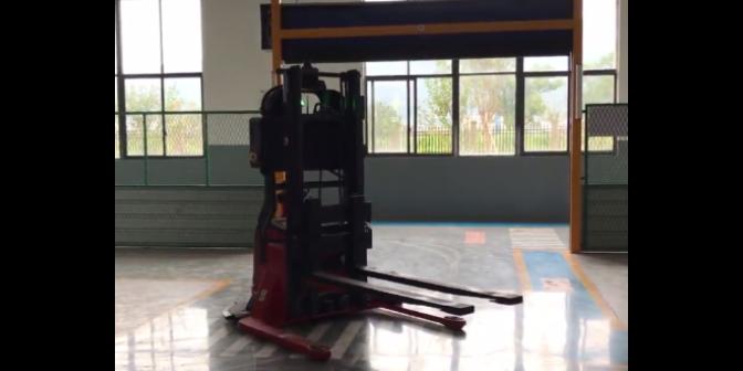 仓储AGV机器人 合肥荣方自动化科技供应