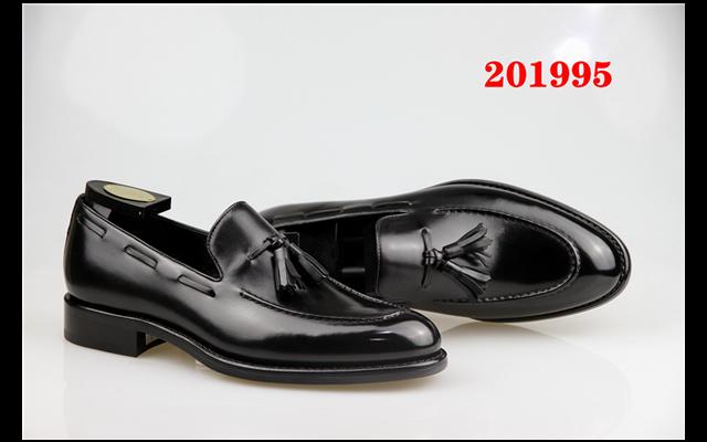 女士休闲鞋加盟连锁店 推荐咨询「柏高米蘭供应」