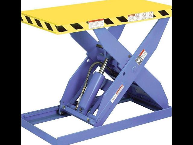 材料提升机生产企业 服务为先 溧阳市创鼎自动化设备供应