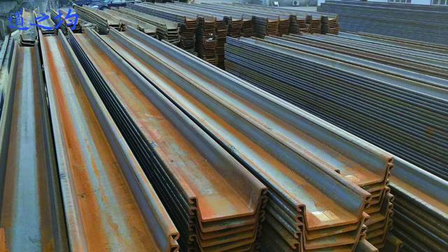 金山区双排拉森钢板桩施工