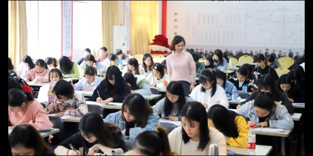 广东2020年初升专成人高考报价,成人高考