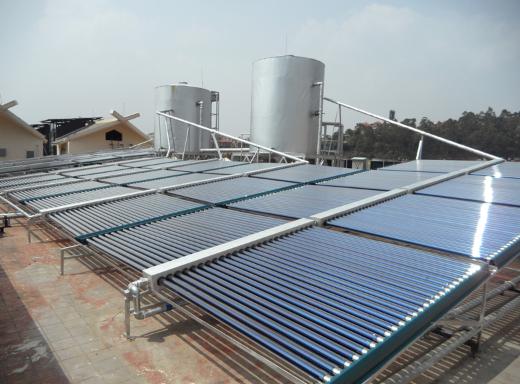云南特太陽能熱水器工程公司 誠信服務 云南冠宏機電空調廠家供應;