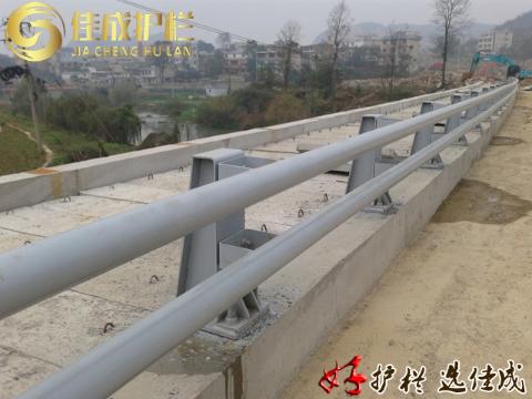 六盤水道路防撞護欄廠家直銷,防撞護欄