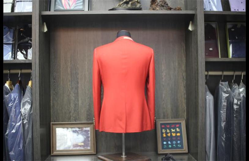 洪澤區女士西裝生產廠家 創造輝煌「淮安市錦熠西服定制供應」