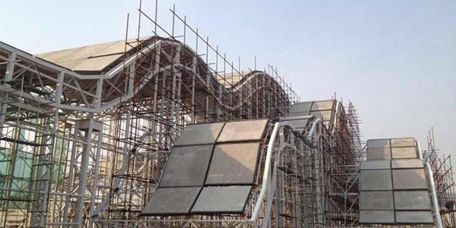 钢骨架轻型屋面板安装