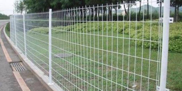 山東鐵路公路護欄網施工 服務為先 湖北華欄達金屬制品供應