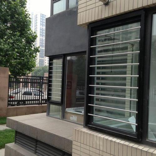 阿圖什鋁合金窗批發商 新疆恒大紗窗護欄供應