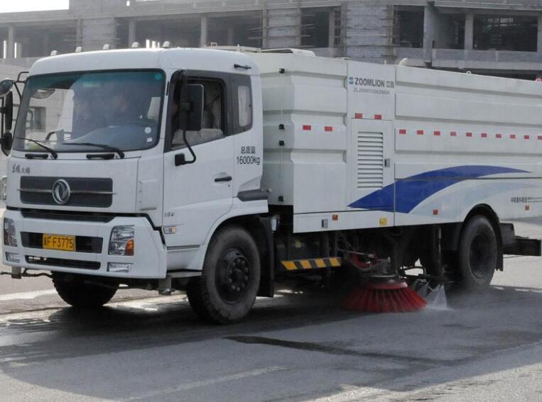 郑州扫路洗扫车出租电话 客户至上  河南绿友实业供应