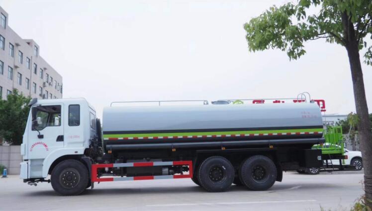 安阳专业大型运水车品牌 来电咨询  河南绿友实业供应