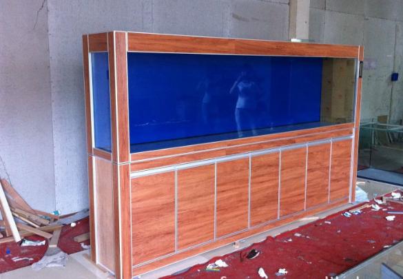 楚雄大型观赏鱼缸私人订做 信息推荐「云南鲸悦水族恒盈鱼缸供应」