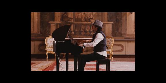 山东买哪种钢琴电子钢琴 值得信赖 上海华新乐器供应