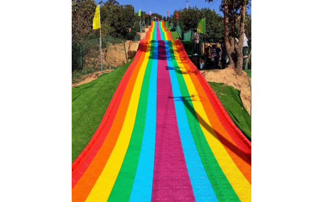 湖州塑料彩虹滑道多少钱 服务至上 浙江辉弘旅游开发供应
