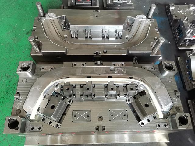 黄岩保险杠模具加工厂 客户至上 台州市黄岩九翔模具供应