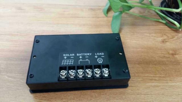 辽源光伏太阳能充电控制器 抱诚守真 杭州易达光电供应