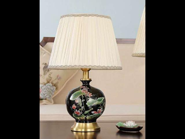 湖南新中式风格陶瓷台灯设计